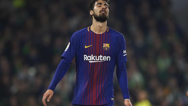 É com estes seis jogadores que o Barça quer encaixar 100 milhões de euros