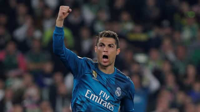 'Festón' do Real Madrid em Sevilha com um Ronaldo ainda mais histórico