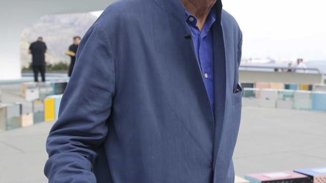 Fotógrafo pessoal da princesa Diana acusado de assédio sexual