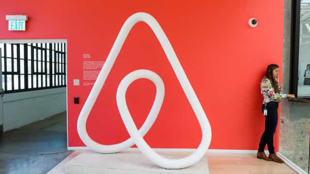 Airbnb pode entrar no negócio da aviação