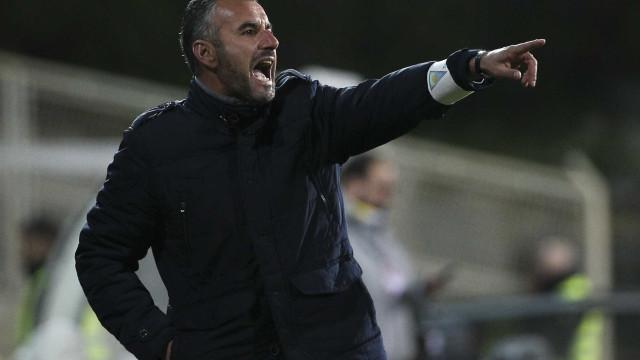 """Treinador do Estoril arrasa jogadores: """"Quase dava dó"""""""