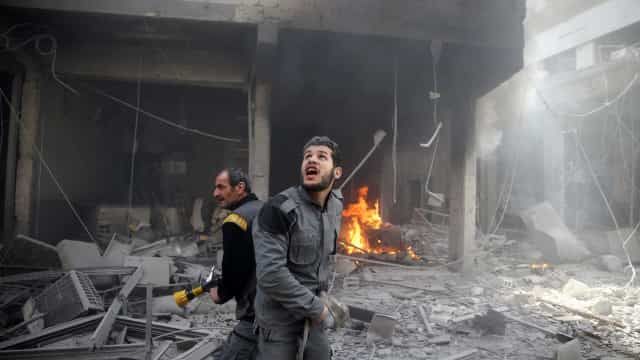 Pelo menos 59 civis sírios mortos pelos bombardeamentos contra Ghouta