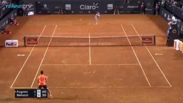 Incrível: Fognini serve, perde a raquete... e ainda ganha ponto