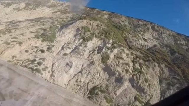 Homem cai de falésia e morre ao tentar salvar cão
