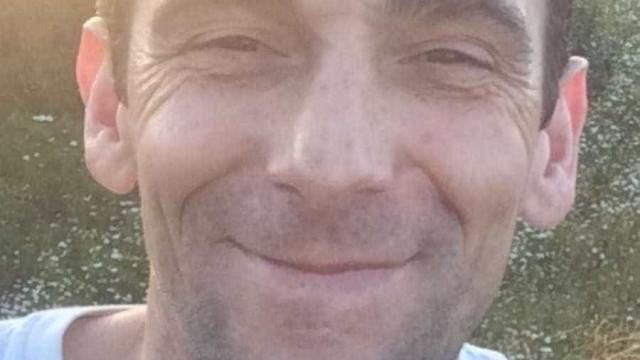 Aldo morreu sozinho em Paris. Onda de solidariedade 'trouxe-o' para casa