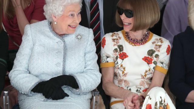 Rainha Isabel II pela primeira vez na Semana da Moda de Londres