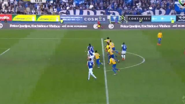 Árbitro e VAR validam golo ao FC Porto... que promete dar que falar