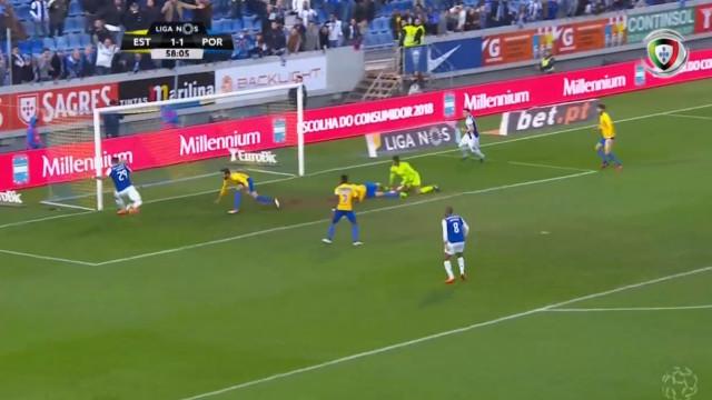 Foi assim que Soares fez o segundo golo do FC Porto na Amoreira