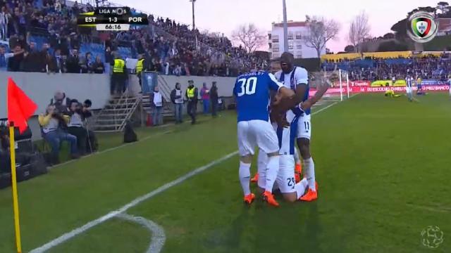 Soares bisa na Amoreira e deixa o FC Porto mais perto do triunfo