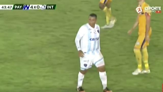 Walter, jogador do FC Porto, volta a impressionar… pelo porte físico