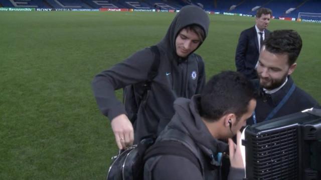 Morata fez de tudo para desconcentrar Pedro. Até a chave do carro tirou