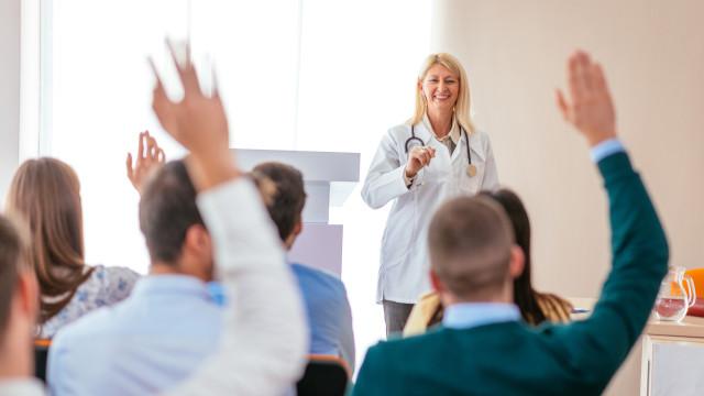 Universidade Nova promove cursos gratuitos na área da saúde