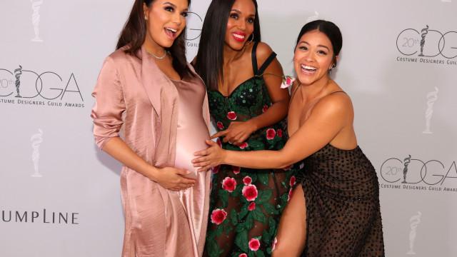 Prestes a ser mãe, Eva Longoria partilha boa disposição com as amigas