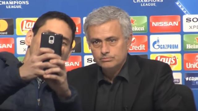 Mourinho e um pedido de uma selfie que o deixou pouco impressionado