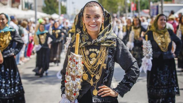 Melânia Gomes acarinhada após expor dura história de vida