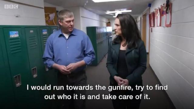 """Professor armado nos EUA: """"O maior medo é acertar num estudante"""""""