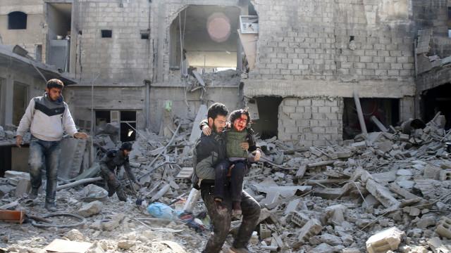 Guerra na Síria causou mais de 350 mil mortos em sete anos
