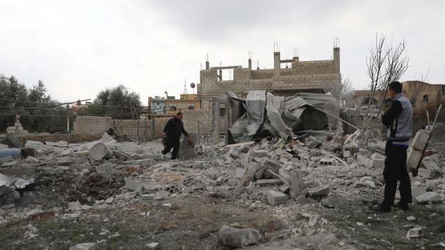Rebeldes não querem negociar saída de Ghouta com a Rússia