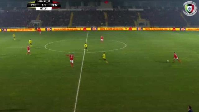 Bastaram dois minutos em campo para Seferovic 'lançar' a reviravolta