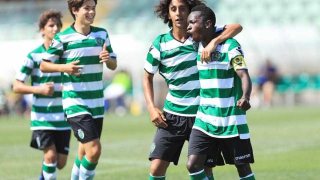 Sporting campeão nacional de iniciados após vencer o Benfica em Alcochete