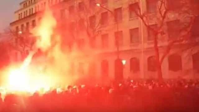 Ultras do PSG instalam ambiente 'vulcânico' na capital francesa