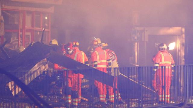 Polícia confirma quatro mortos e seis feridos em explosão em Leicester