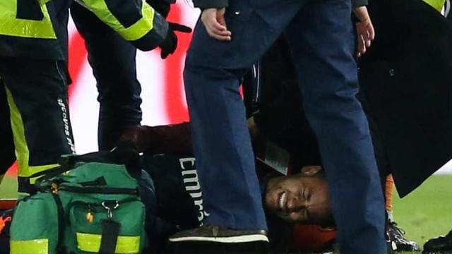Eis o estado em que Sarr deixou o pé de Neymar