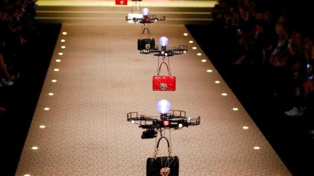 A Dolce & Gabanna está a usar drones como modelos de malas