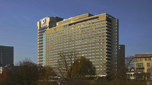 Príncipe alemão cai para a morte do telhado de um hotel com 21 andares