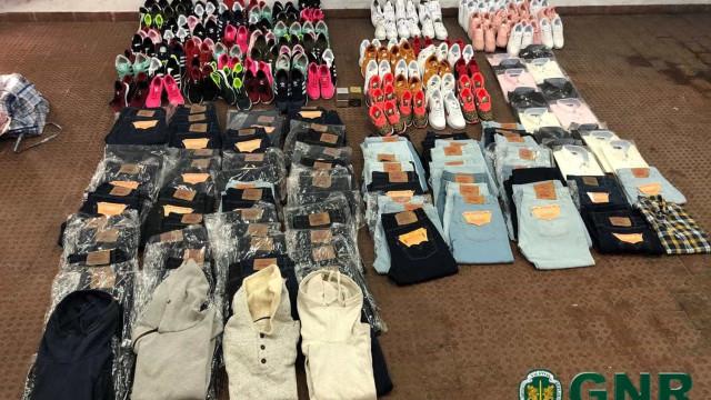 Operação em feira mensal leva a apreensão de 255 artigos contrafeitos