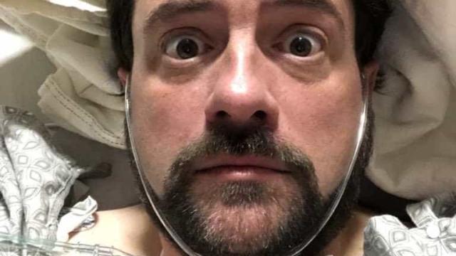"""Cineasta Kevin Smith revela ter sofrido """"gravíssimo"""" ataque cardíaco"""