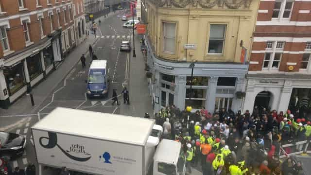 Ópera de Londres evacuada devido a ameaça de bomba