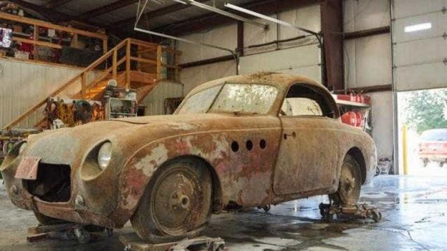 BMW de 1937 foi encontrado num celeiro
