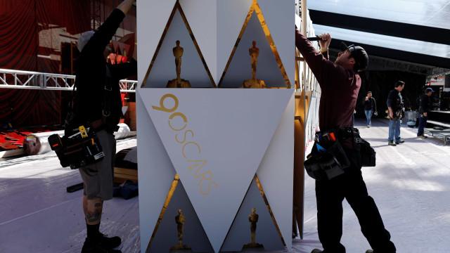 Hoje é noite de Óscares: 'A Forma da Água' lidera em ano de controvérsias