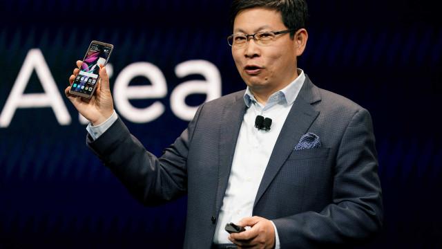 Huawei ultrapassará Apple em um ou dois anos, diz CEO