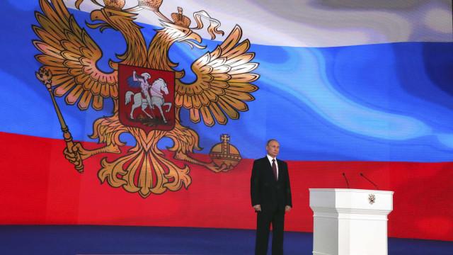 """Putin quer que Israel """"se abstenha de qualquer ação"""" na Síria"""