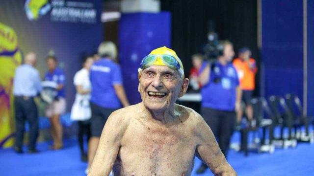 Nadador, de 99 anos, bate recorde do mundo na Austrália