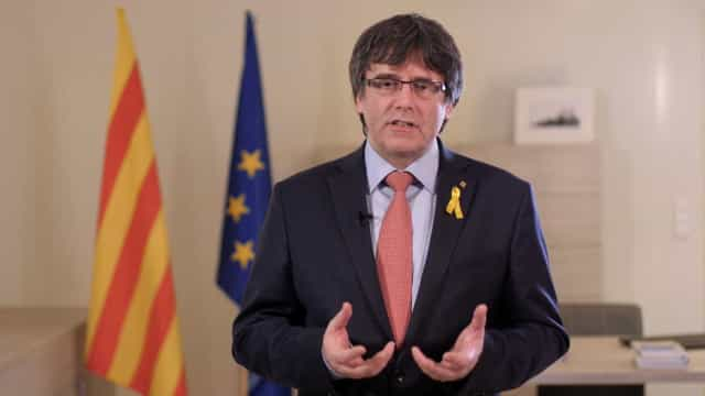 Puigdemont diz que ninguém lhe pediu que renunciasse a lugar de deputado