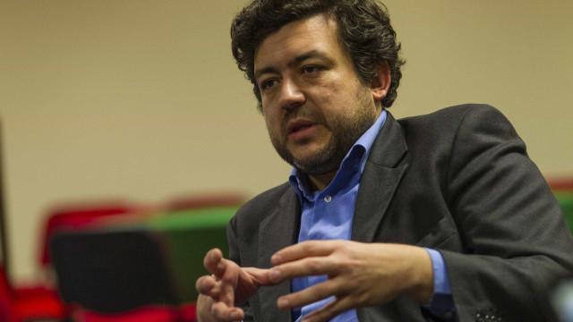 """Eutanásia: Bancada do PS diz ser """"prematuro"""" antecipar chumbo de diplomas"""