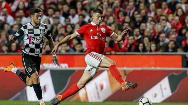 Jovem central do Benfica em destaque no site da UEFA