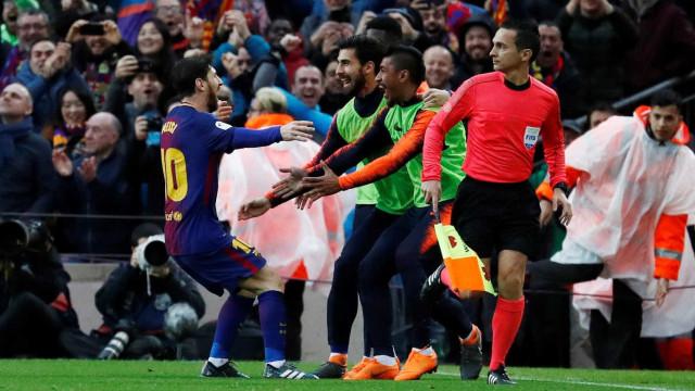 Magia de Lionel Messi resolve Clássico de emoções fortes