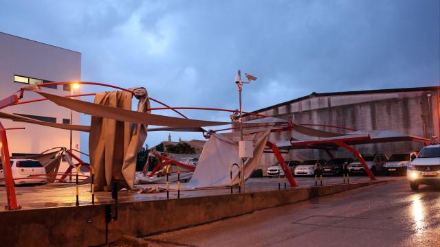 As imagens dos estragos causados pelo tornado que atingiu Faro