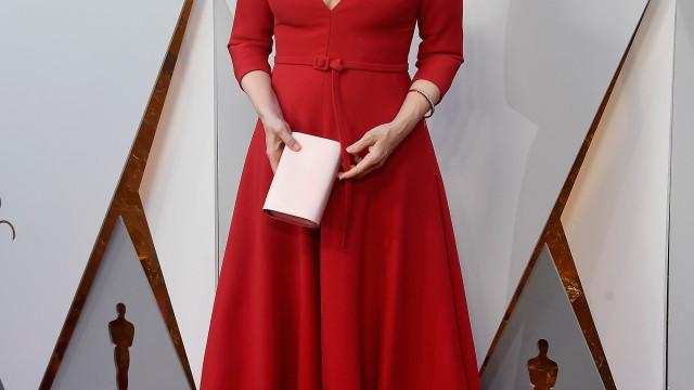Meryl Streep foi vestida de fada madrinha aos Óscares? Eis a comparação