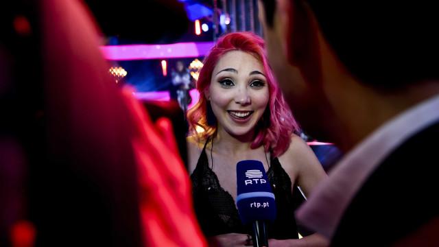Cláudia Pascoal diz adeus ao cabelo cor-de-rosa e muda de visual