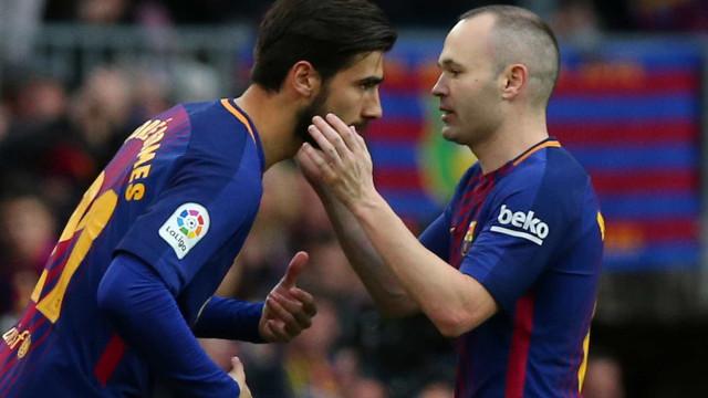 """Espanhóis arrasam André Gomes: """"Não é jogador para o Barcelona"""""""
