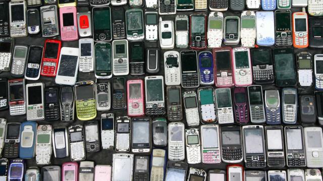 Ambientalistas querem smartphones reparados e reciclados