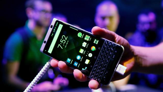 Nova 'batalha' de patentes entre Facebook e BlackBerry