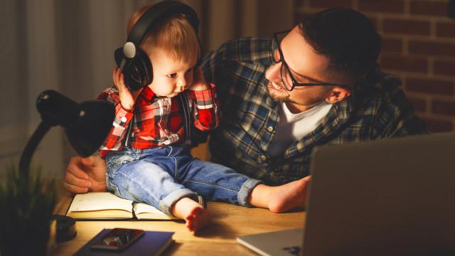 Bebés que são 'a cara do pai' são mais saudáveis