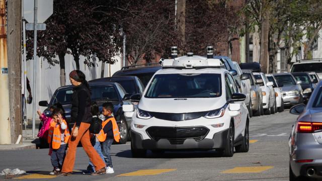 Quando os carros autónomos são atacados… por pessoas