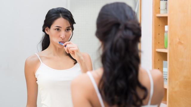 Manhã: Sabe a melhor altura para lavar os dentes?